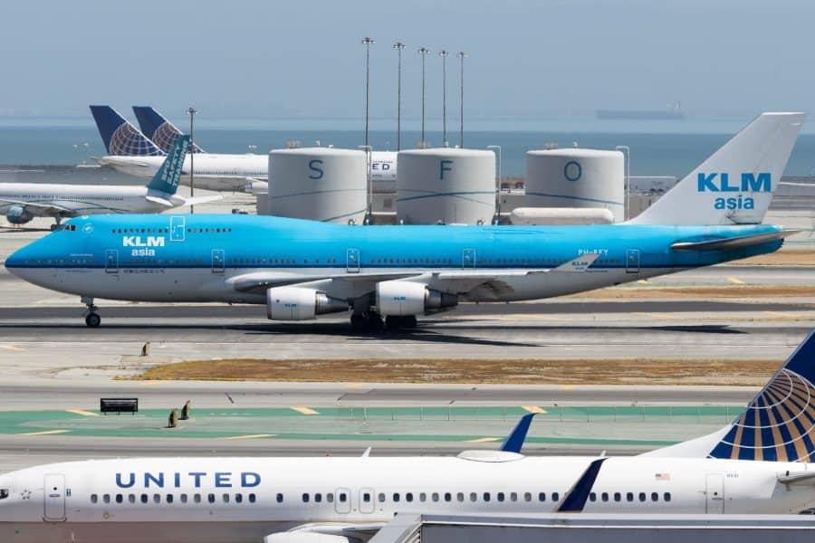 Planes taxiing at San Francisco International Airport