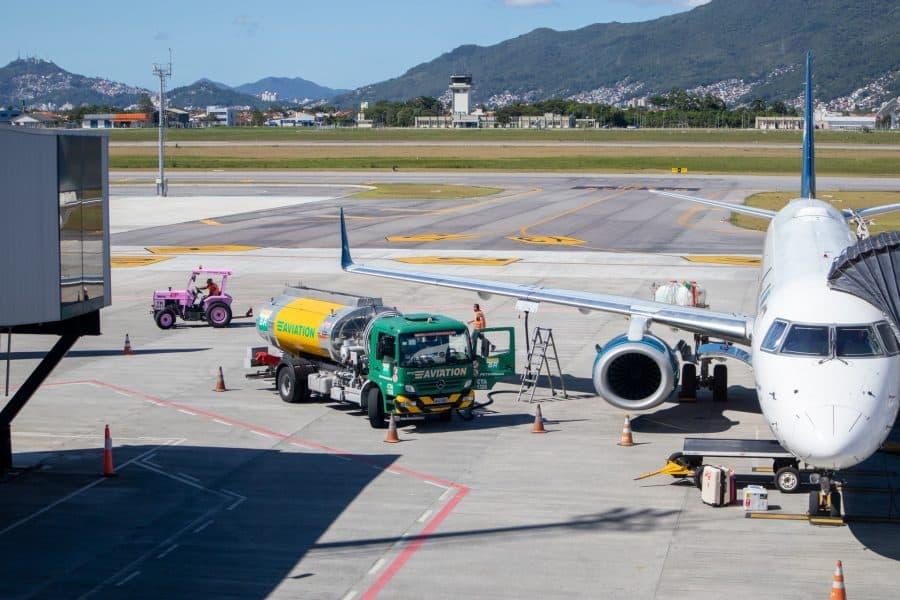 Airplane refueling